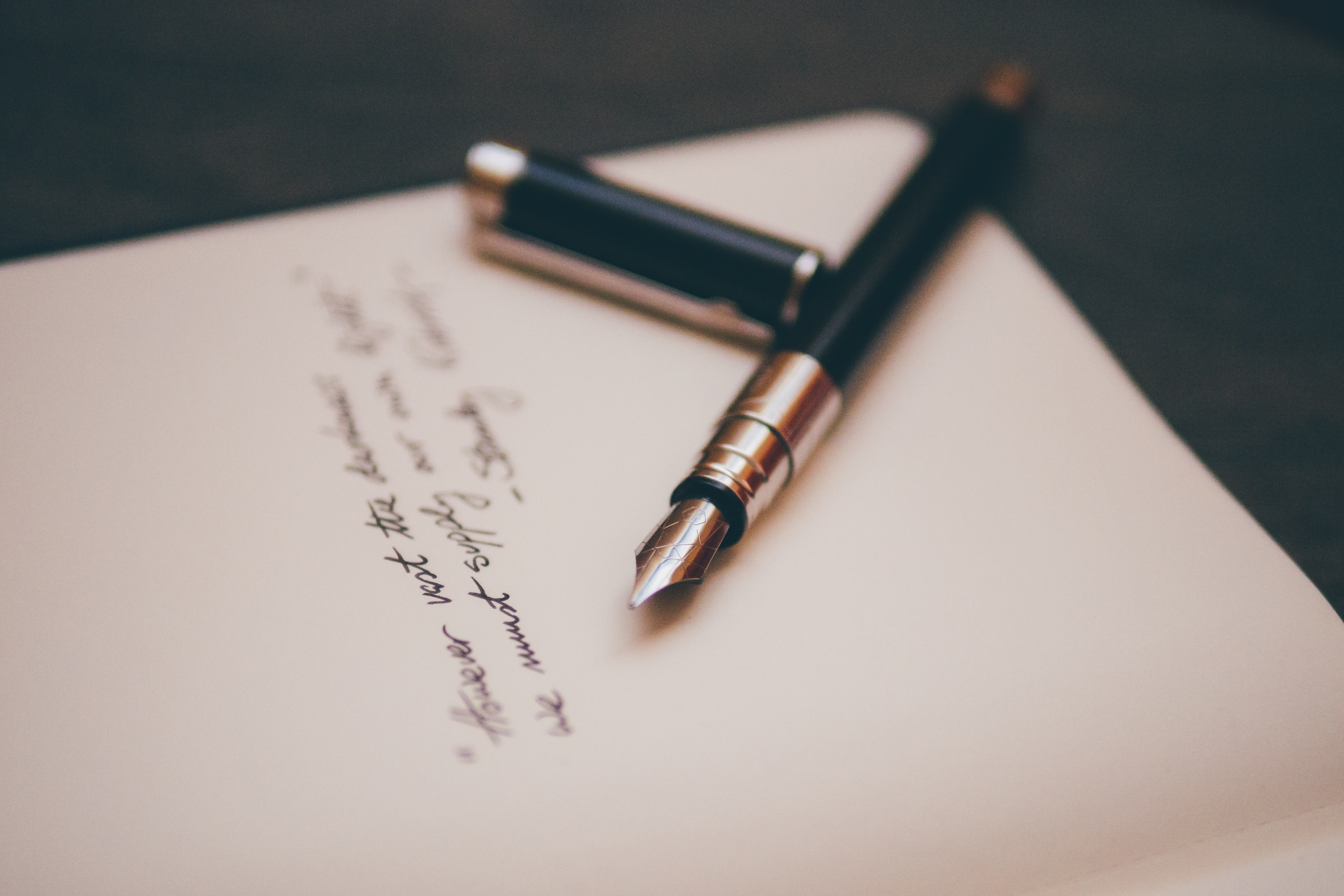 długopis kartka gimnastyka języka content house