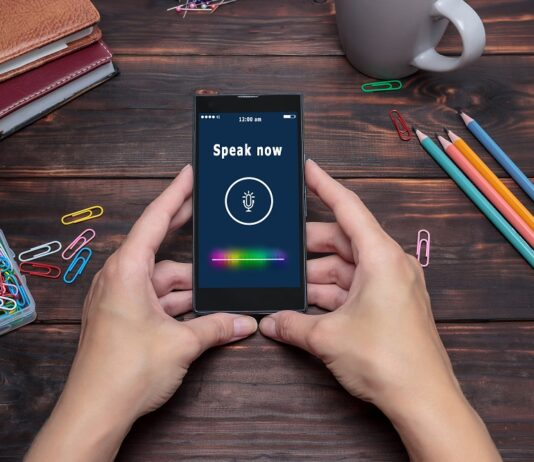 voice-search-czym-jest-wyszukiwanie-glosowe-i-dlaczego-warto-z-niego-korzystac